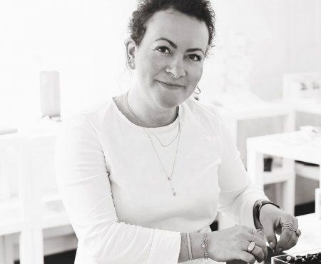 Anne Hjort: Hvorfor er vi kvinder kvinde værst?